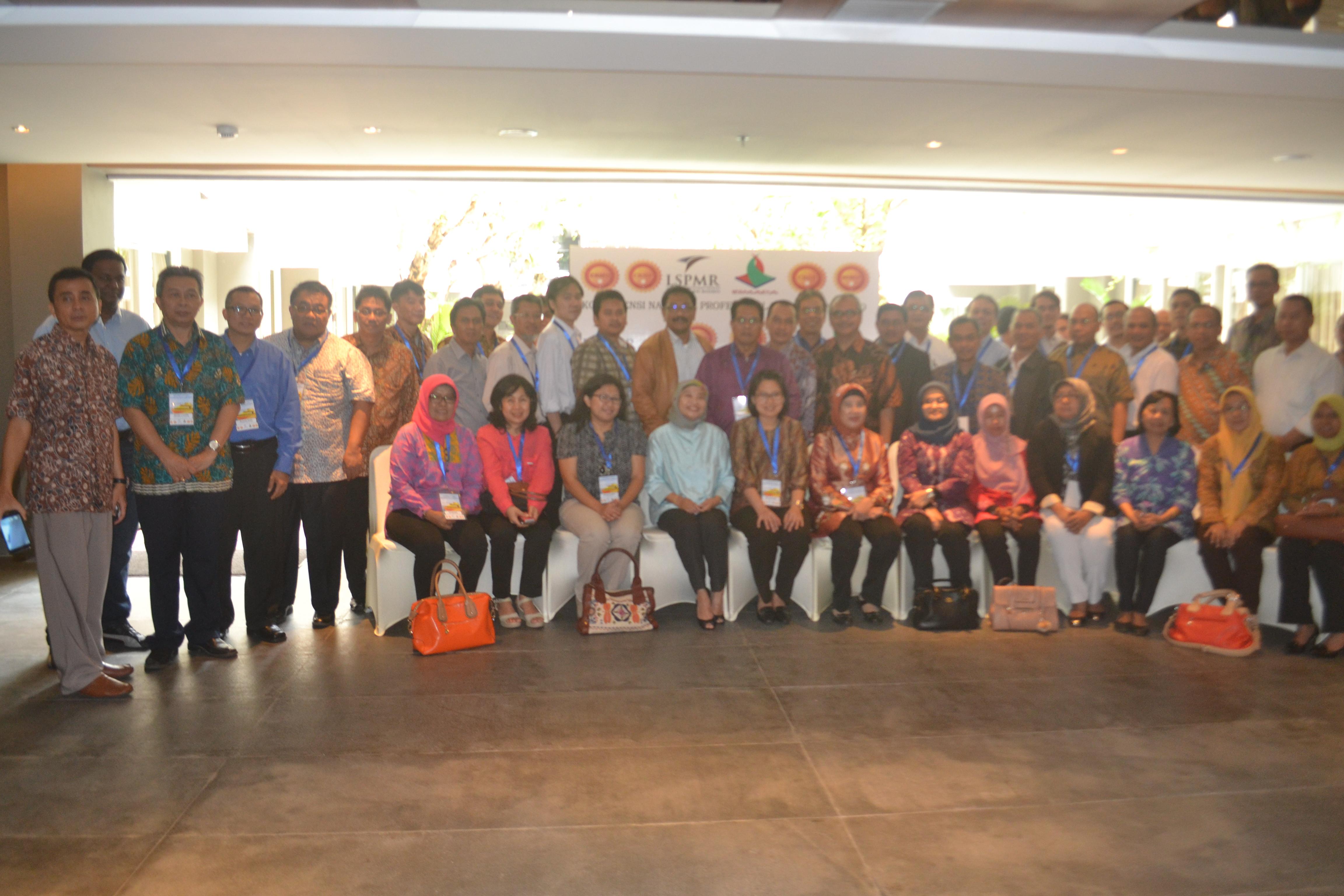 konferensi 1